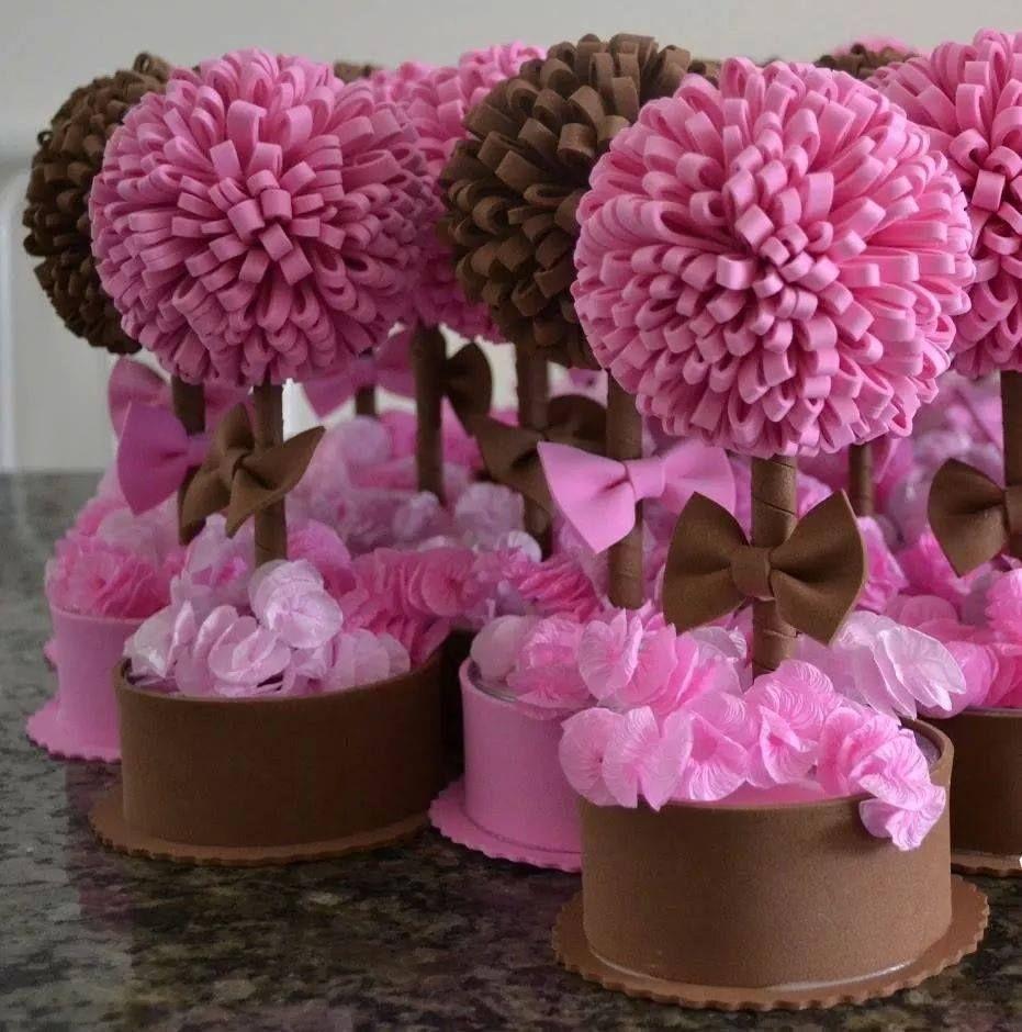 decoração de mesa | Tutorial de flor de feltro, Decorações em feltro, Bola  de flores