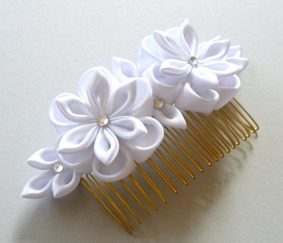 White Bridal Kanzashi Fabric Flower hair comb . Bridal Hair piece ...