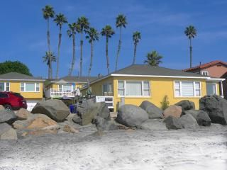 Rent This 1 Bedroom Apartment In Oceanside For 145 X2f Night Has Grill And Washer Read 8 Reviews A Oceanfront Vacation Rentals Vacation Rental House Rental