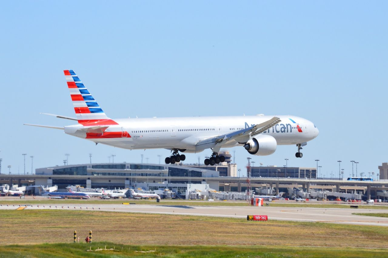 Aviation Fanatic — American Airlines Boeing 777300ER