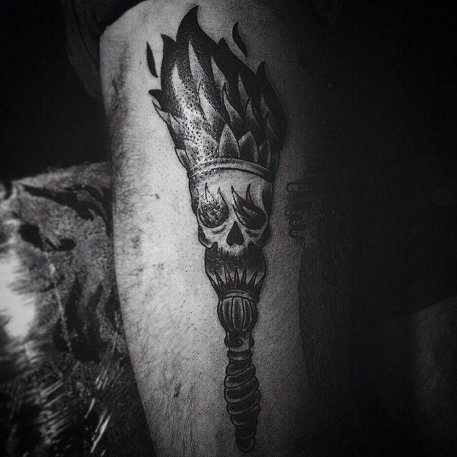 #klink #ink #inked #kiev #ua #ukr #ukraine #vintage #tattoo #artist #oldschooltattoo #oldschool #хоумтату #blacktattooart #blxckwork #traditional #traditionaltattoo #line #shading #flash #set #torchtattoo #skulltattoo #skull