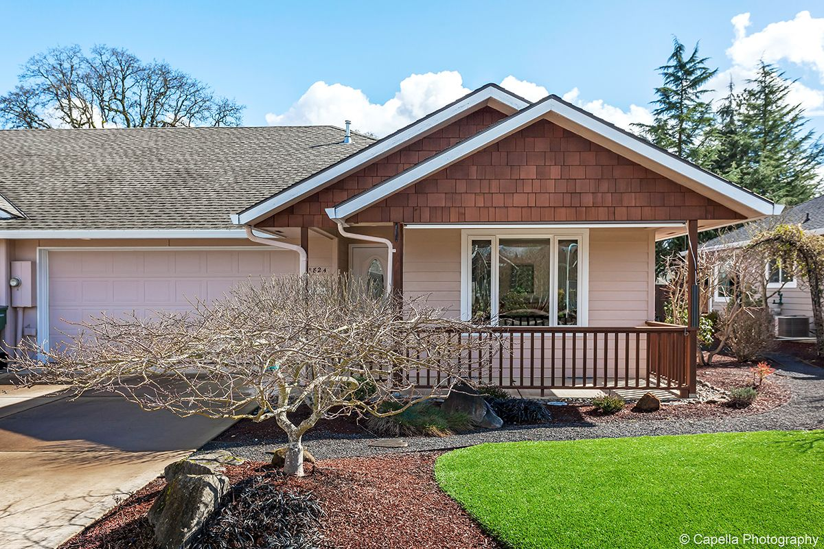 SOLD - IN TWO DAYS! WELCOME HOME to the perfect single ...