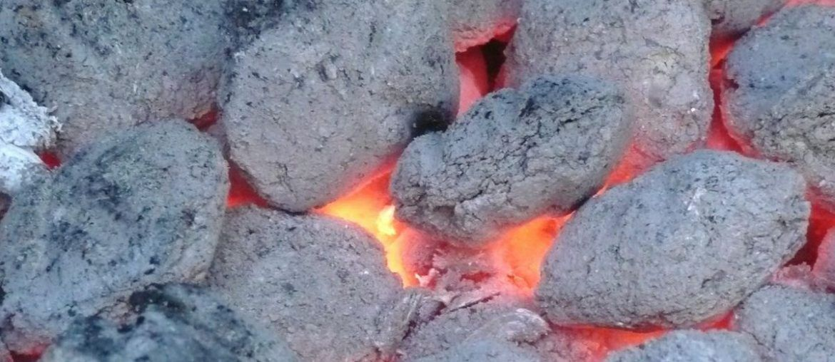 How to start your grillsmoker without lighter fluid