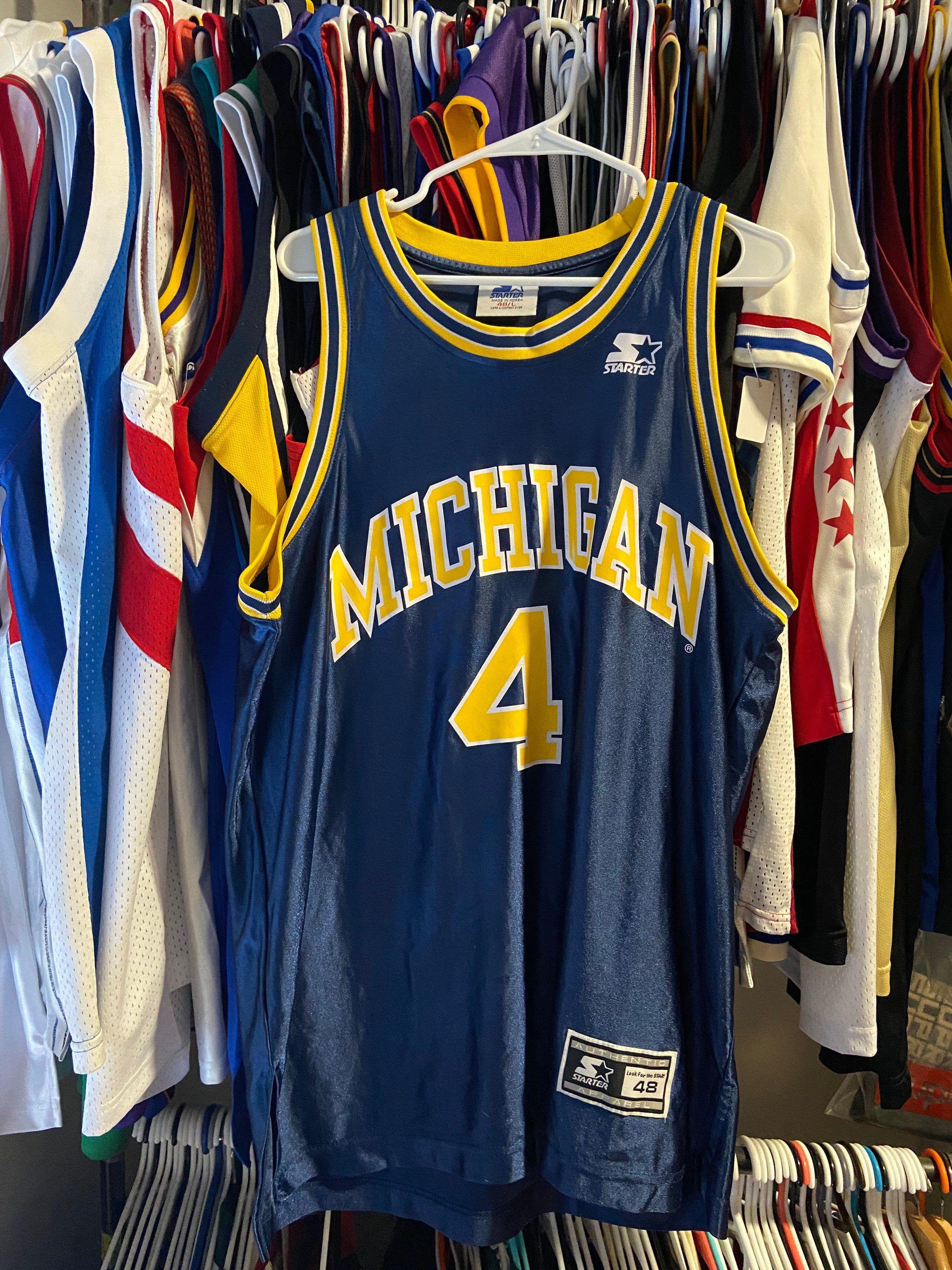 Rare Vintage Starter Mens Large Navy Blue Michigan Wolverines Chris Webber Throwback Basketball Jersey In 2020 Basketball Jersey Michigan Wolverines Jersey