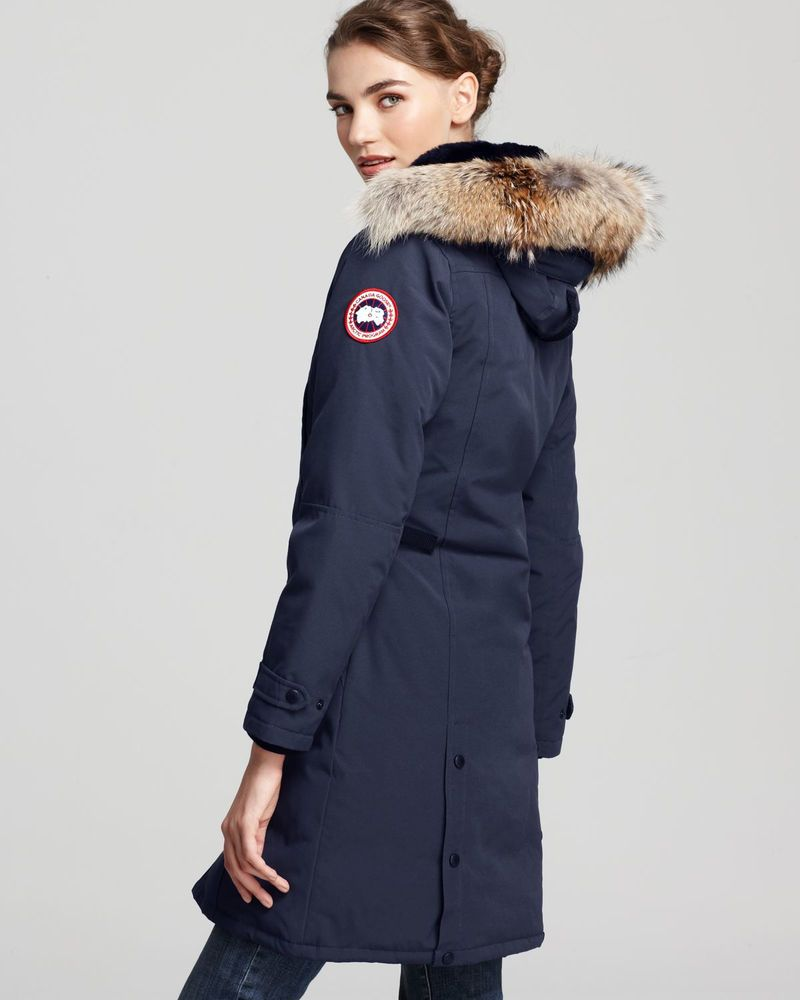 NWT Canada Goose Trillium Parka with Genuine Coyote Fur Trim