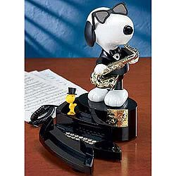 Every time this phone rings, Snoopy plays the saxophone and swings to the music, while Woodstock dances to the beat! You can also press the demo button to see their performance! $50