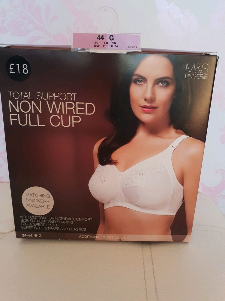 c14b2cd4e6403 MARKS AND SPENCER (M S) Total Support Non Wired Full Cup White Bra Size 44G-  New  fashion  clothing  shoes  accessories  womensclothing  intimatessleep  ...