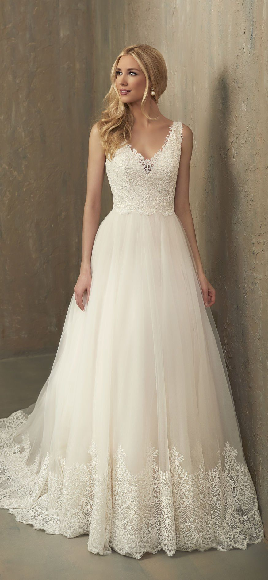 Paisley Adrianna papell wedding dress, Paisley wedding