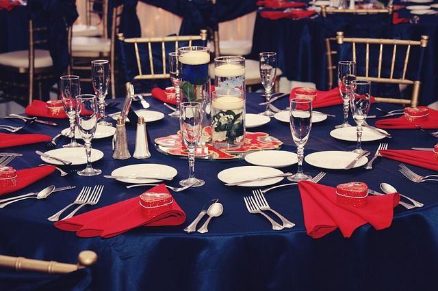 Red White And Blue Beautiful Table Setting And Decor At Occasions Banquet Hall Tables Blue Wedding Centerpieces Blue Wedding Decorations Blue Table Settings