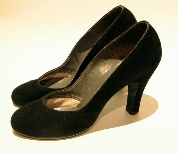 Very modern for today, too!  Vintage 1940s Sexy Suede shoes  75 by VioletsEmporium on Etsy, $75.00