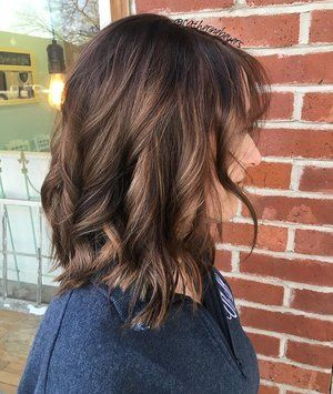 #hairbycatherinebeyers #handpainted #chocolatehair #goinglighter #beachwaves @monatofficial @pravana @s.rakers #naturallight