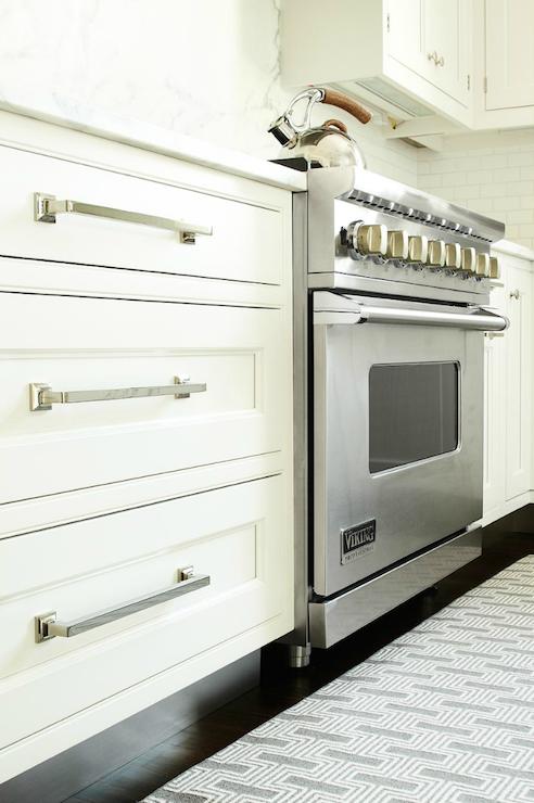 Drawer pulls | Kitchen | Kitchen cabinet pulls, Kitchen ...