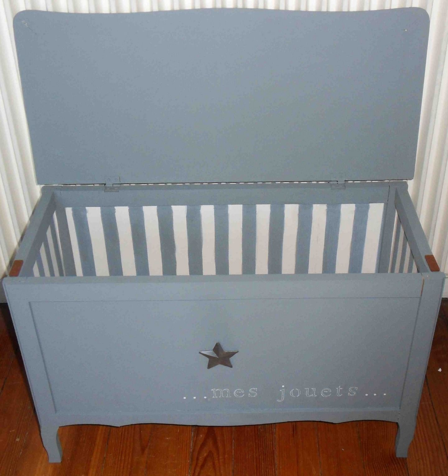 coffre jouets en bois enti rement relook meubles et. Black Bedroom Furniture Sets. Home Design Ideas