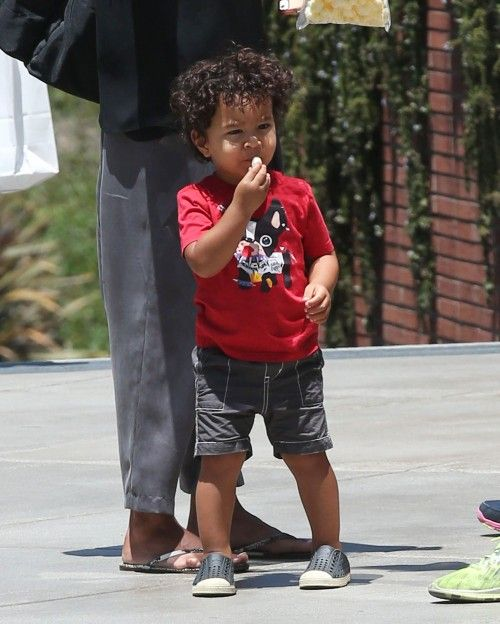 Halle Berry Takes Her Son Maceo To The Mall | celebrity ...