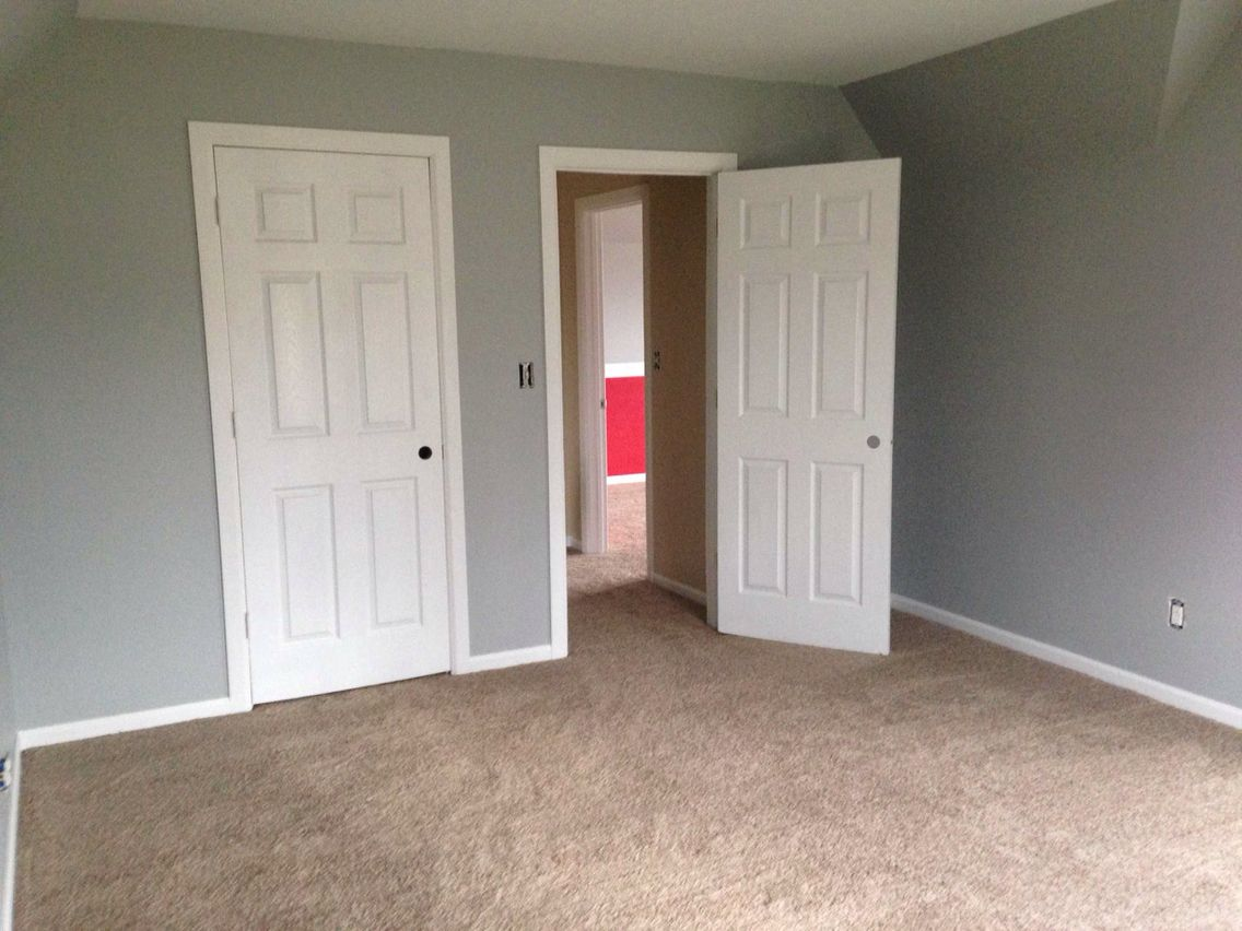 Sherwin williams argos and innovia carpet in treasured - Sherwin williams interior paint finishes ...