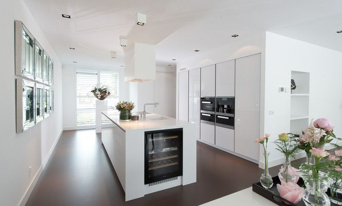Deze snaidero keuken hebben we bij een klant in bleiswijk geplaatst laat u inspireren en stel - Cuisin e met bartafel ...