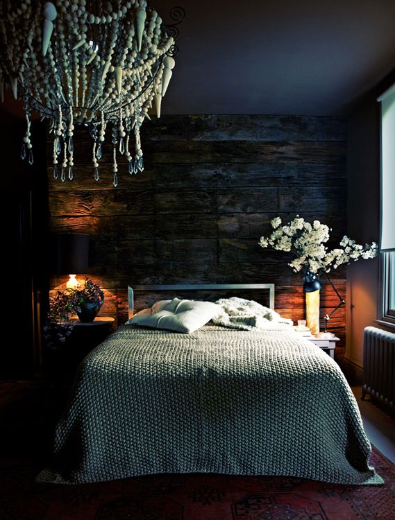 Totally into this dark blue bedroom with rustic finishes. So vibey.