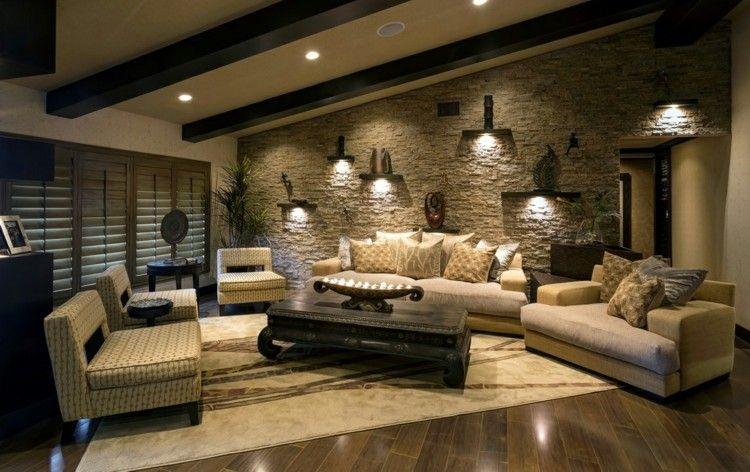 Eine Natursteinwand im Wohnzimmer kommt durch eine Dachschräge - wohnzimmer ideen dachschrage