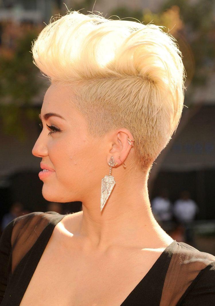 Irokesenschnitt mit Übergang damen kurz Undercut blond Miley Cyrus
