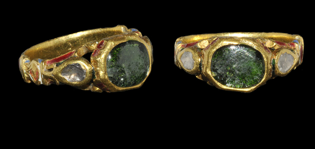 Gold Ring with Jaipur Enamel and Diamonds  17th century AD.