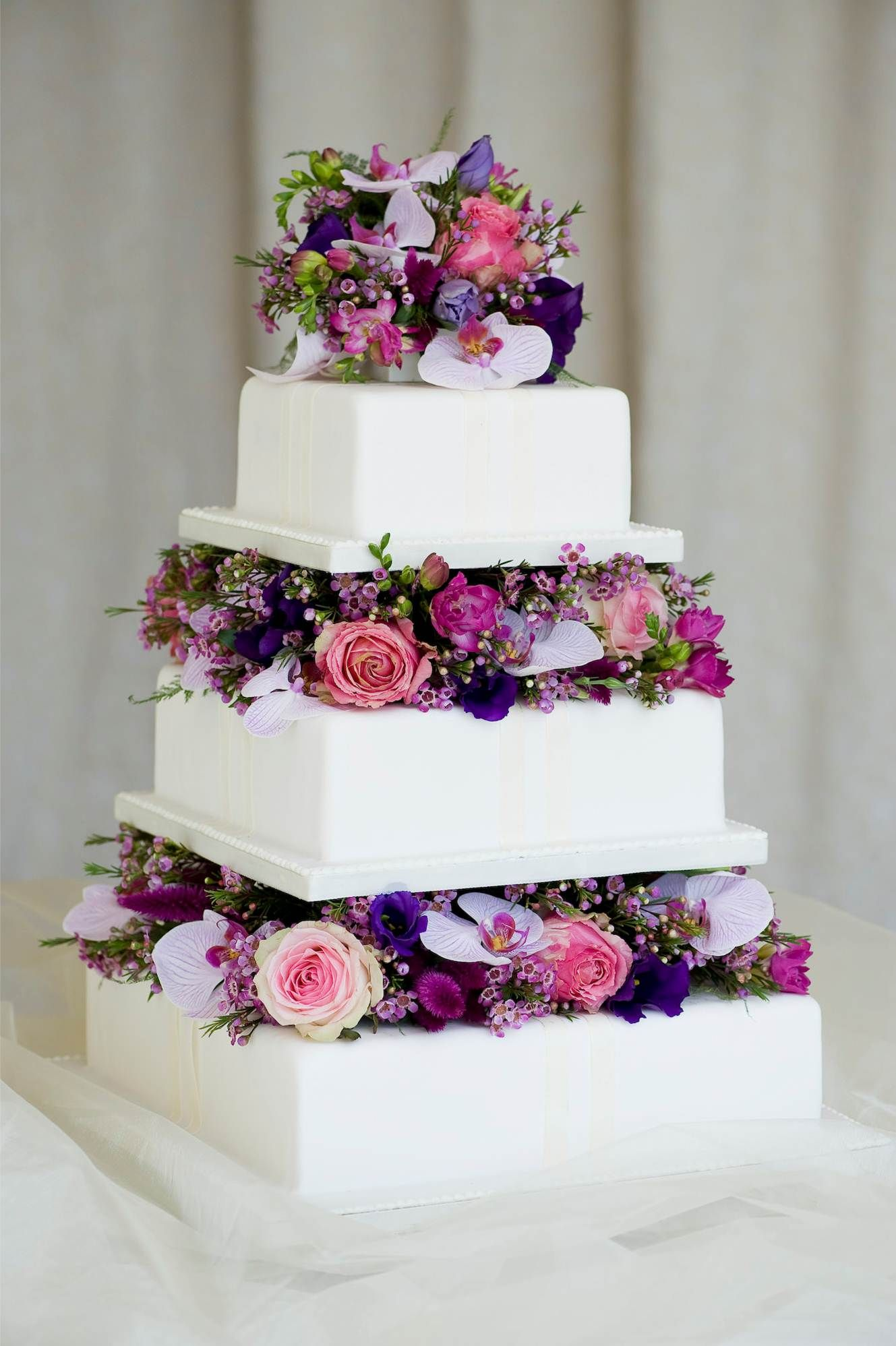 2 tier wedding cakes with flowers wedding cake with flowers wedding dress wedding cake 10174