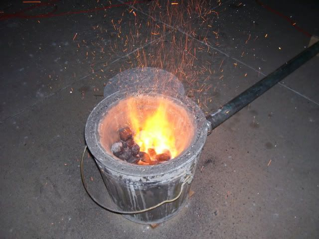 My first furnace - Garbage Can / Flower Pot Crucible ...