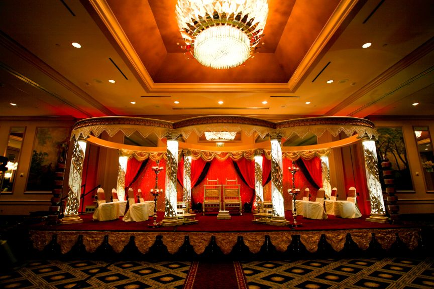 Dramatic Wedding Mandap For This Hindu At The Wynfrey Hotel In Riverchase Al