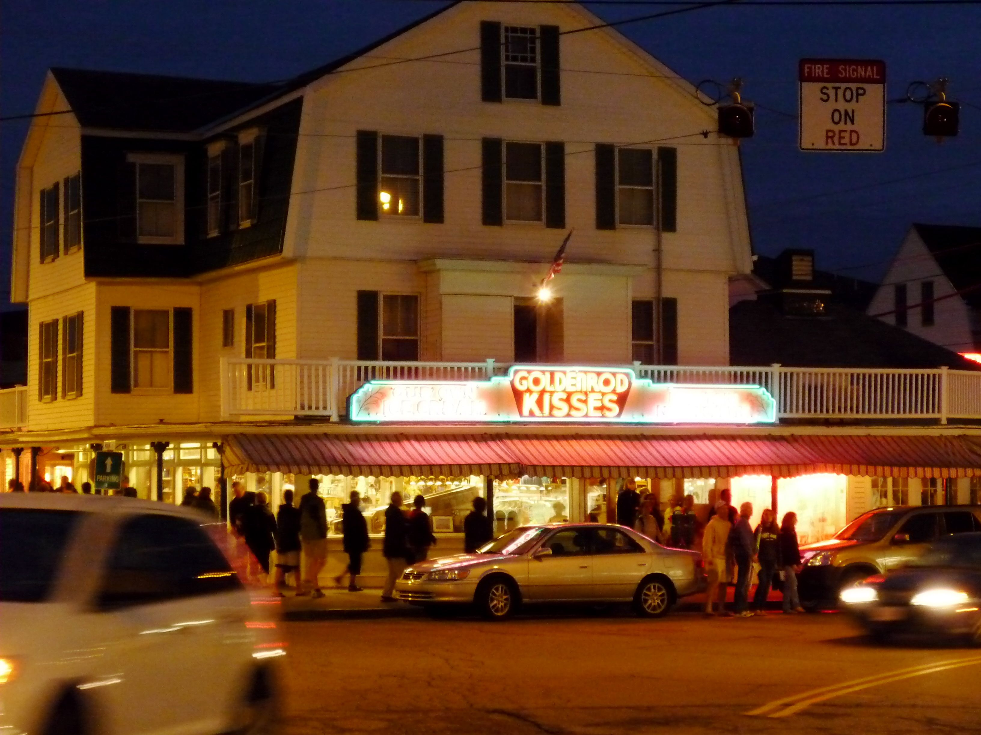 The Goldenrod Restaurant In York Beach Maine Where They Make Salt Water Taffy