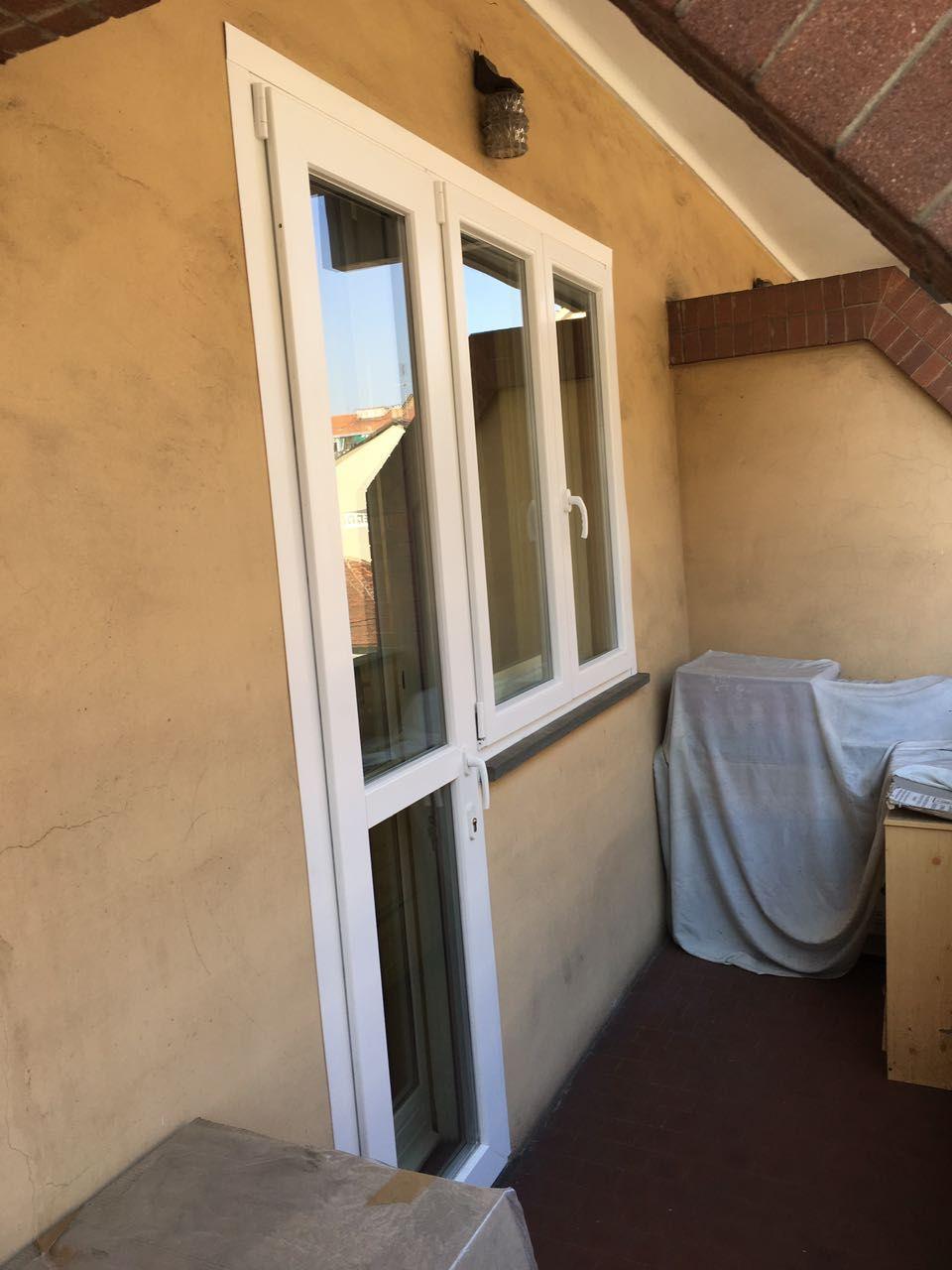 serramenti in pvc porta finestra zoppa con soglia ribassata