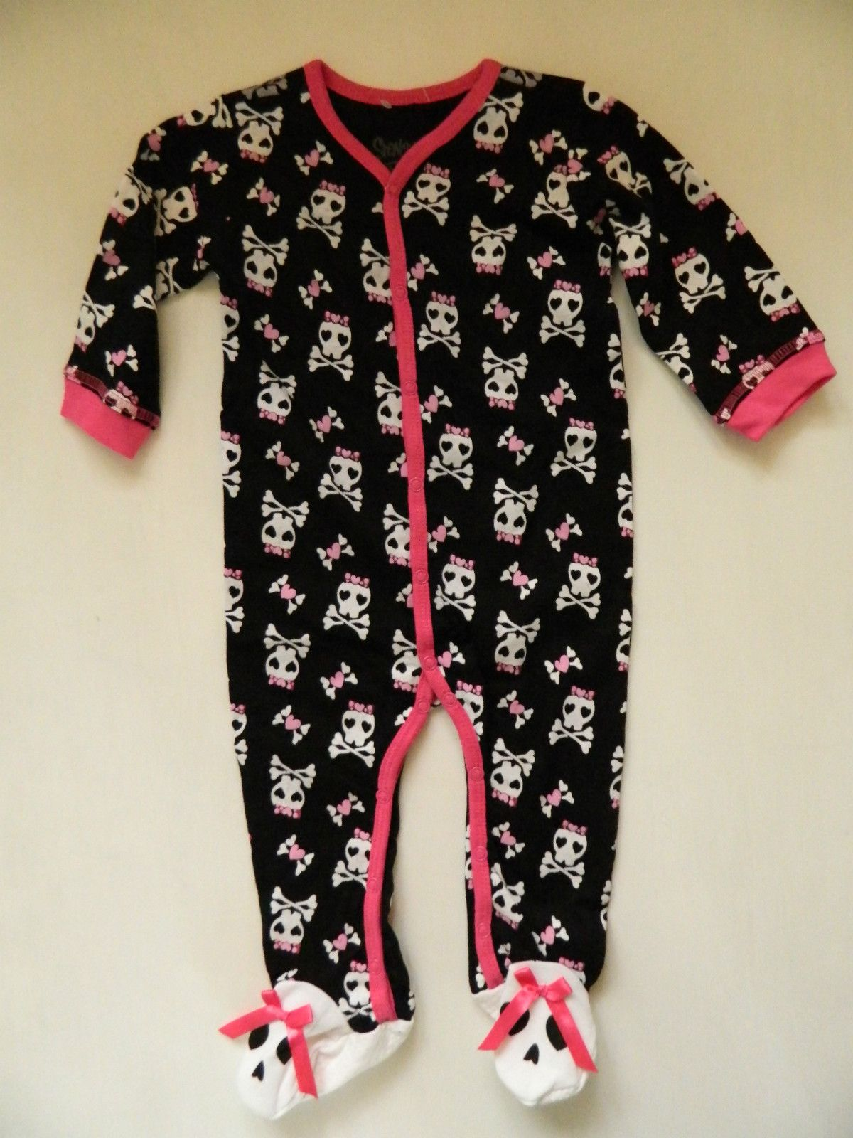 skull baby girl sleeper ebay rock fashion baby. Black Bedroom Furniture Sets. Home Design Ideas