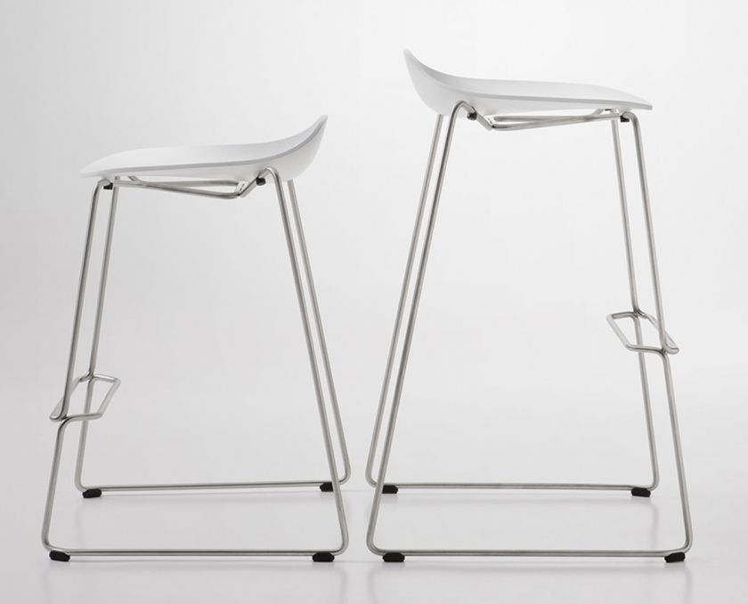 Bello Kitchen Stools Designed By Vincent Van Duysen | Italian Design