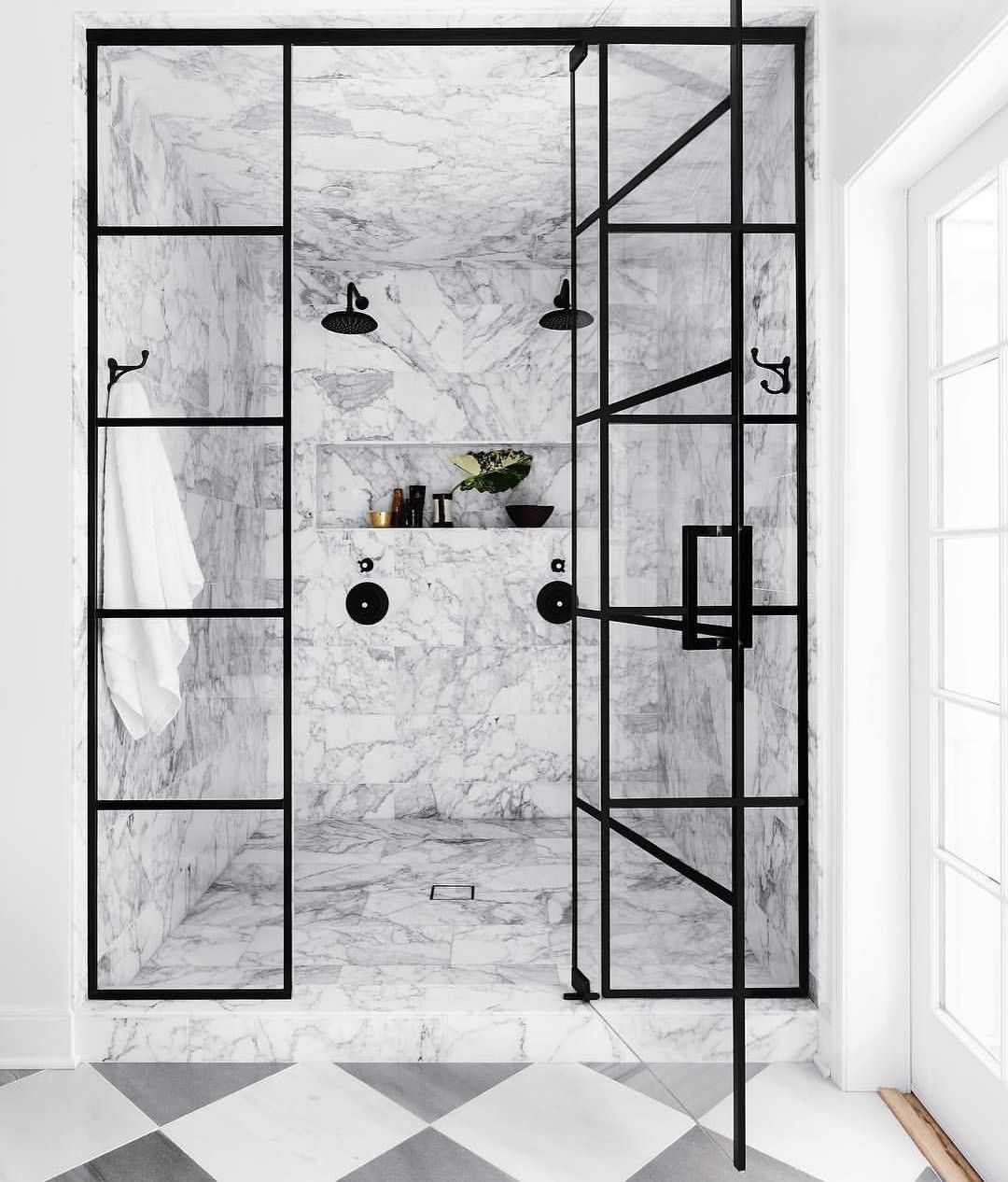 45 Best Creative Shower Doors Design Ideas For Bathroom Simple Bathroom Bathroom Interior Design Master Bathroom Renovation