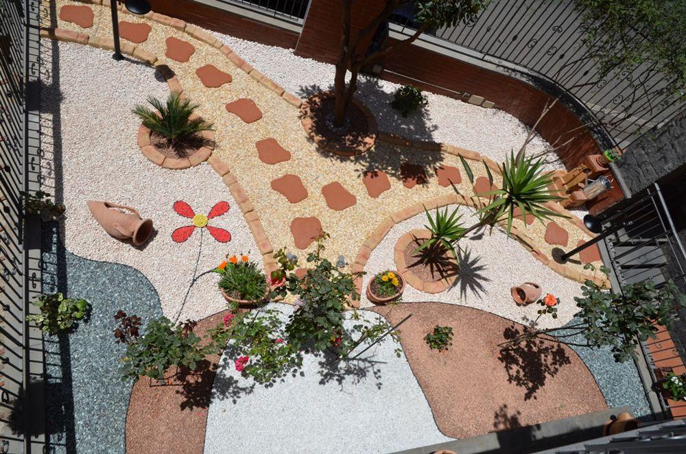 Pietre Da Giardino Per Aiuole : Bordo curvo e bordura per aiuole col pietre del borgo giardino