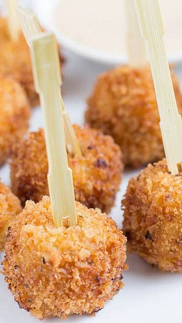 Cheesy Bbq Chicken Balls Recipe Awesome Appetizers Pinterest