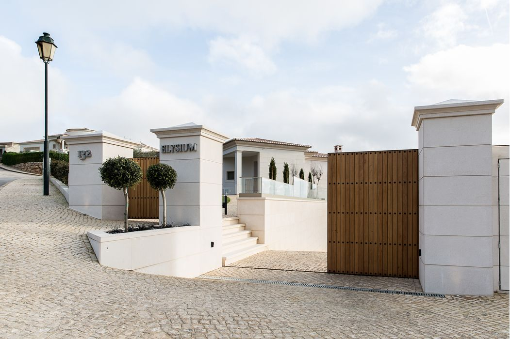 Front entrance to contemporary Villa from Herrington Gate