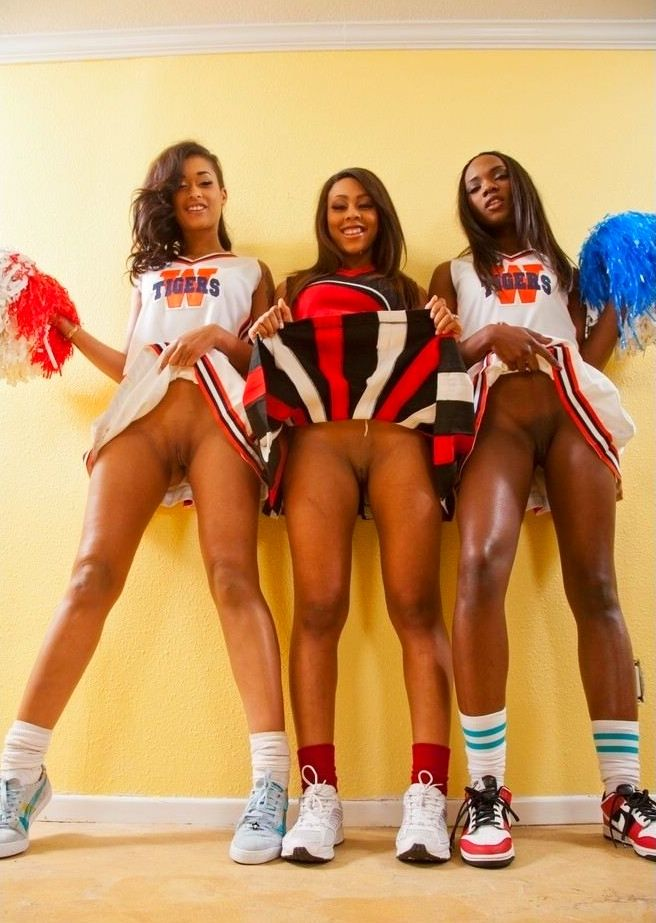 sexy-and-hot-cheerleaders-naked