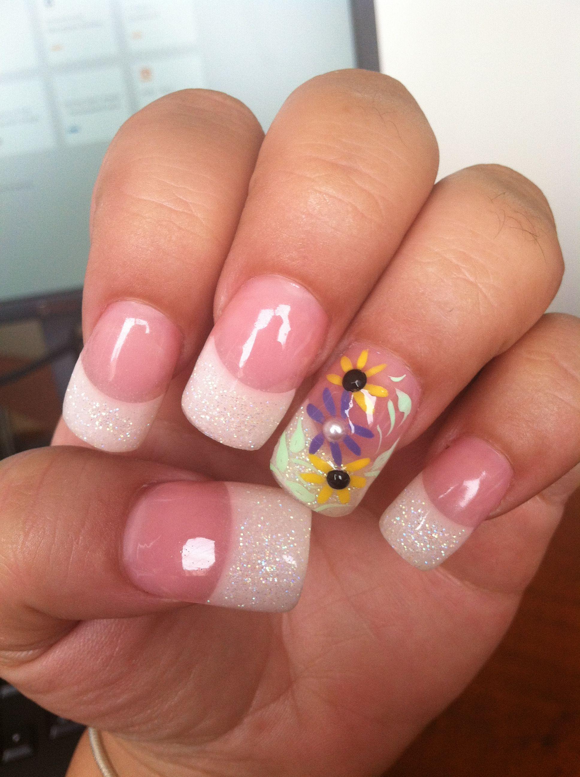 Daisy Nail Design | Daisy nails, Nail designs, Nails