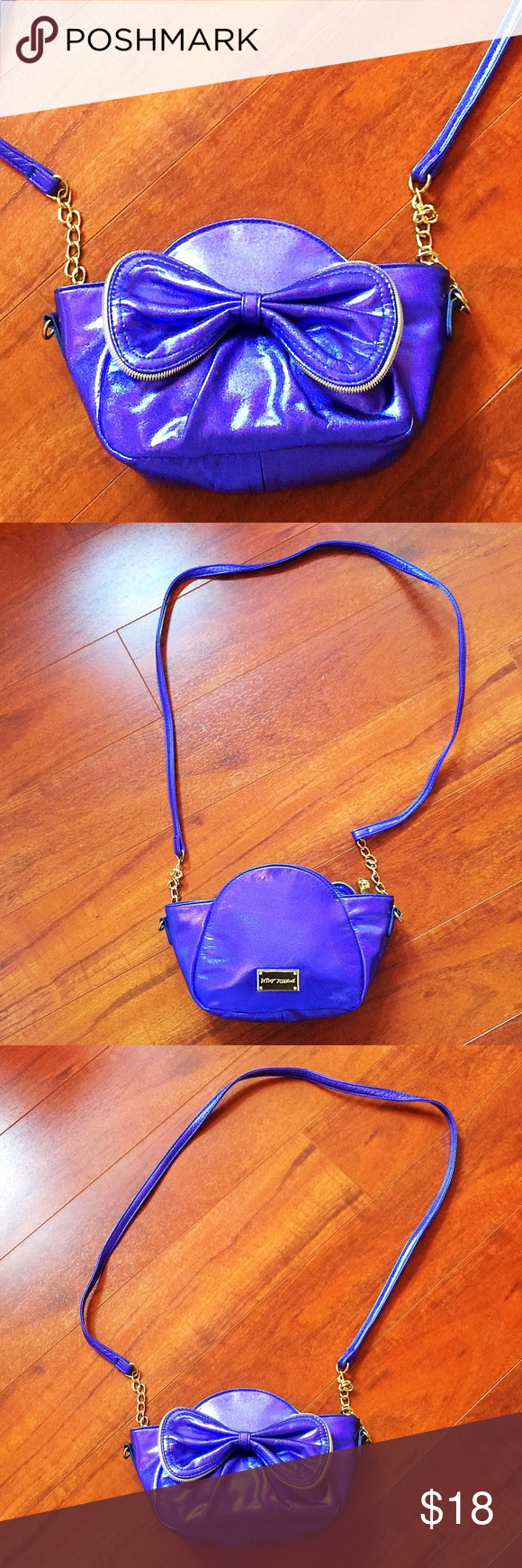 Betsey Johnson Zipper Bow Crossbody Gorgeous purple cross body bag by Betsey Johnson with bow detail. This item ships from Florida and can only be bundled with other items shipping from Florida in my closet. (Some are out of state) please check before purchasing a bundle! TRADES OUTSIDE TRANSACTIONS ❤️OFFERS WELCOME❤️ Betsey Johnson Bags Crossbody Bags