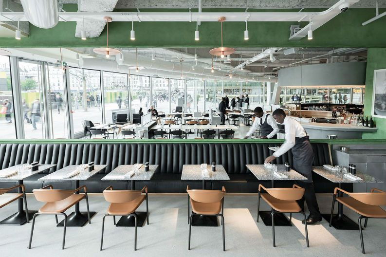Places To Eat During Maison Objet 2017: Alain Ducasse Opens Brasserie #bestplacestoeat #paris #mo17 chef alain ducasse, maison et objet, restaurant interior   See more at: https://brabbu.com/blog/2016/11/places-to-eat-during-maison-objet-2017-alain-ducasse-opens-brasserie/
