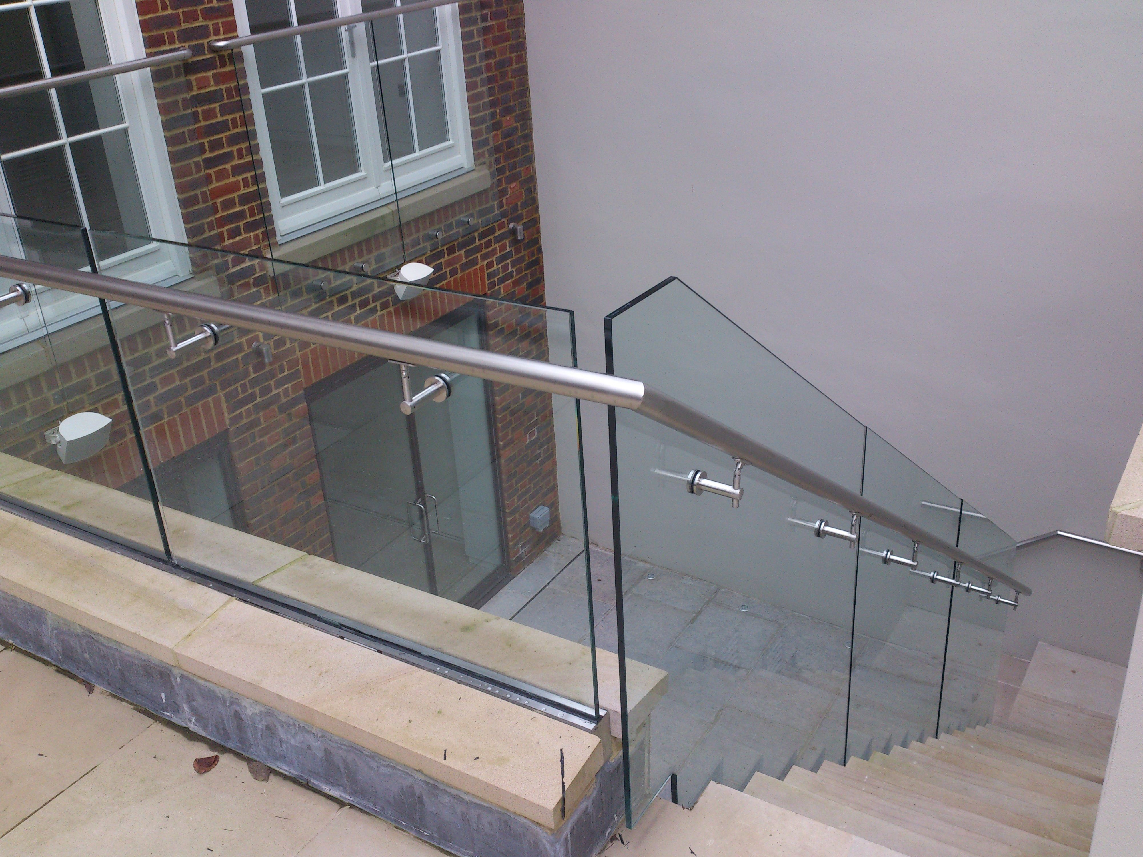External Glass balustrade solutions by Glasstec Systems glasstecsystems structuralglass structuralglazing es life