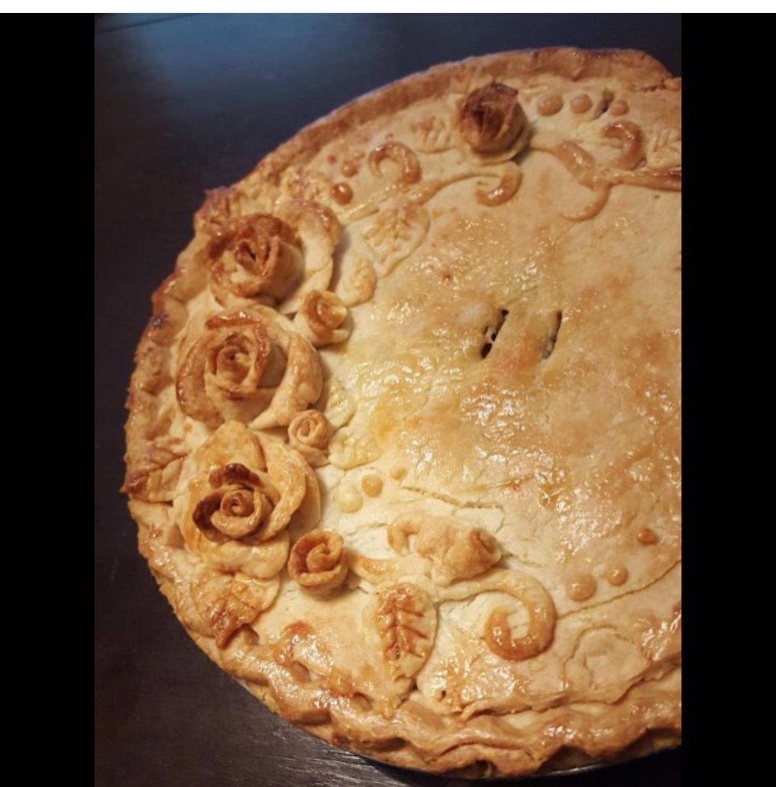 Rose pie crust