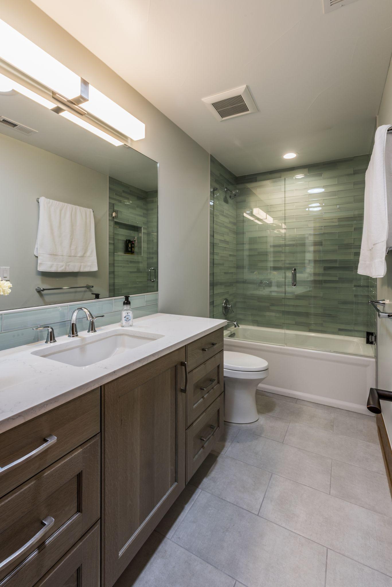 Baths Bkc Kitchen And Bath Crystal Cabinets Bathroom Cabinetry Kitchen And Bath Crystal Bath