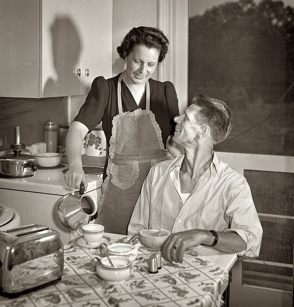 Farm kitchen Piping Hot 1942 kitchen Pinterest