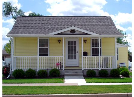yellow house | Momstinct | Yellow houses, Mobile home ... on manufactured housing module home, yellow mobile stars, mystic yellow paint color home, burgundy with yellow trim home,
