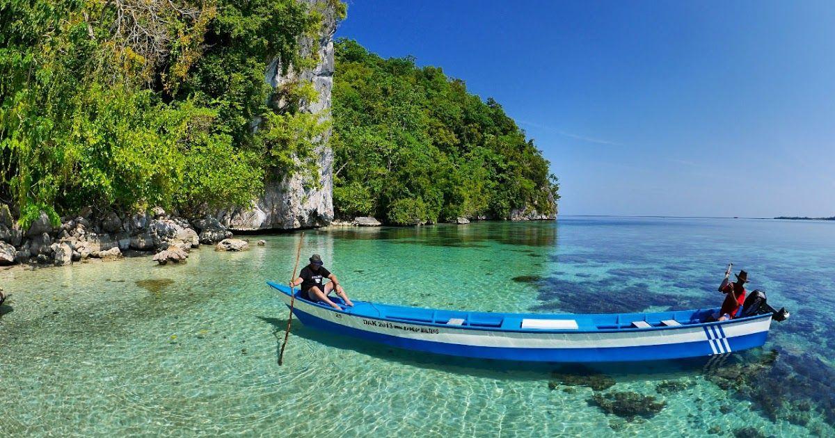 10 Pemandangan Alam Paling Indah Di Indonesia Banyak Pemandangan Paling Indah Yang Menawarkan Berbagai Model Inovasi Terbaik Di 2020 Pantai Pemandangan Pantai Cenang