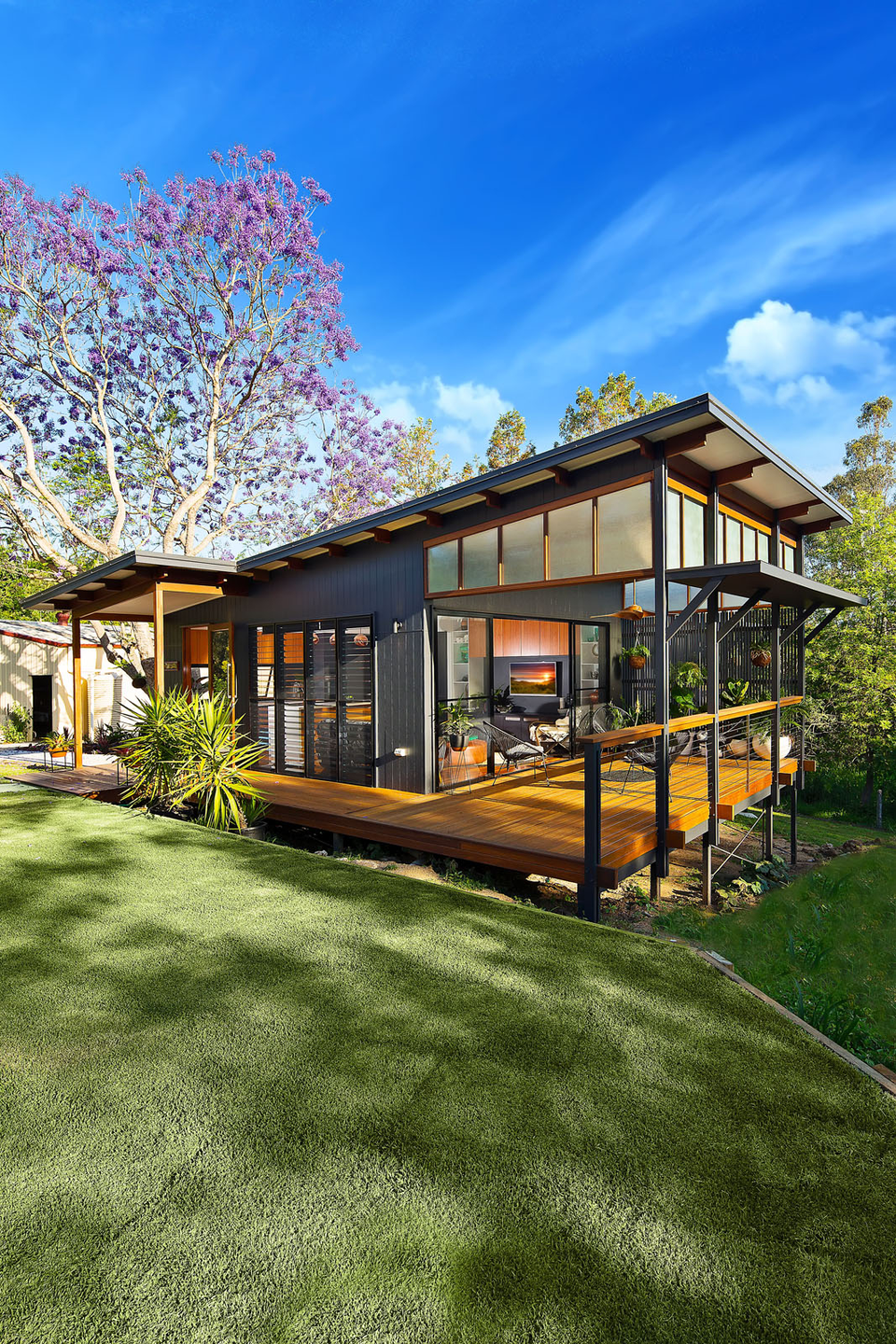 10 Eco Friendly Homes That Ll Inspire You To Go Green Eco House Design Small House Design Eco Friendly House