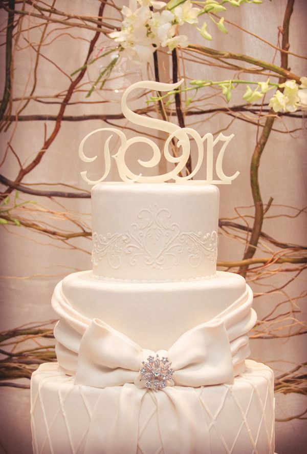 Cream Wedding Cake At Woodland Memphis Photographed By Lyndsi Metz Photography