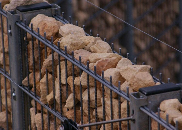 Gabion fence ideas - 30 variants of stone, wood and glass