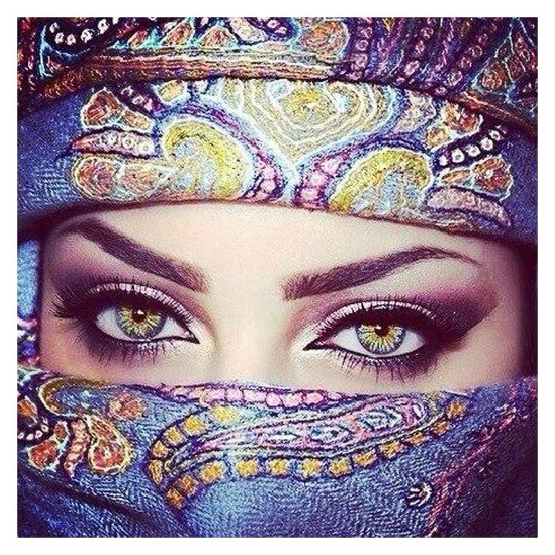 Beautiful Eyes Diamond Painting In 2020 Beautiful Eyes Cross