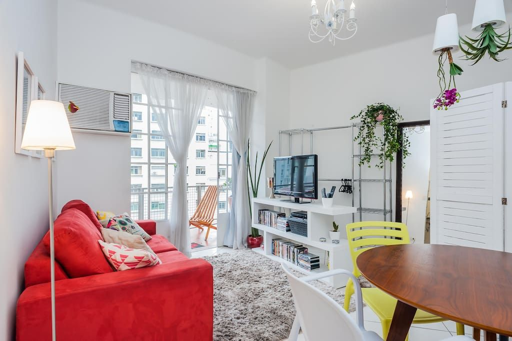 Apartment in São Paulo, Brazil. A modern, cozy and fully equipped apartment in a FAMOUS ART DECÓ Building (1942 Architecture prize). Very well located in São Paulo Historical Downtown - in the heart of the largest city in Brazil. Near of Metro, commerce and Sightseeing places.  ...